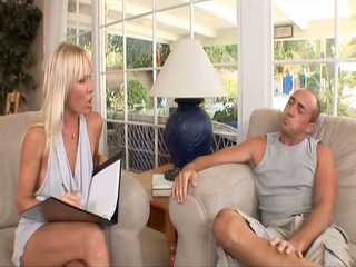 schlong hungry anal cougar caresse