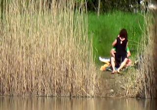 pair fuck near the river