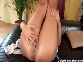 older mama adele from olderwomanfun shows her