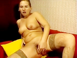 russian mamma fucks her hairy pussy with toy on