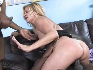 lustful d like to fuck babe shags with black