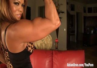mature female bodybuilder dd plays with her big
