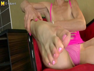 skinny old granny sucks her own legs