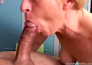 gorgeous cougar t live without to fuck