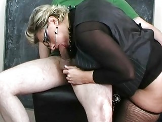 milf slut in sexy lingerie sucking large johnson