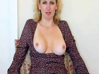sexy mature wife gives blowjob and gets facial