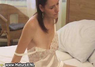 horny dark brown housewife enjoys rubbing