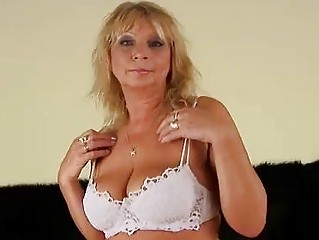 mature rosalyn squirts and gets cummed on