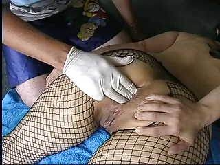 dilettante milf in fishnets anal fisting