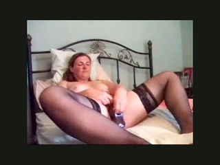 uk bitch fucking her self with a huge sex toy