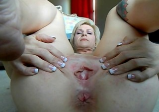 mom cams her puckering rectal hole