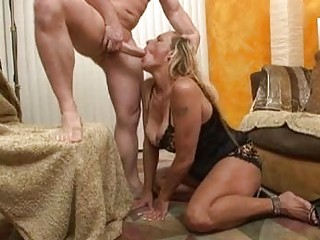 sluty blonde momma in black underware doing deep