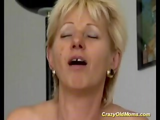 avid old mom receives drilled hard engulfing rod