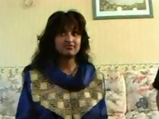indian milf receives conned into stripping