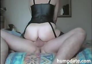 housewife rides hubbys dong with her asshole