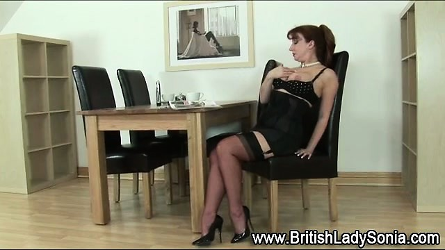 solo aged femdom honey in nylons