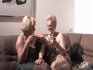 older german lesbian babes