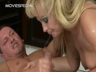 mature milf receives butthole fucked