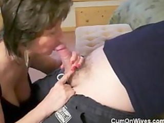 older mama gives great head