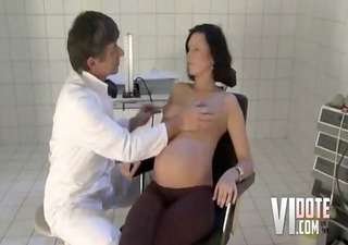 doctor bonks a pregnant d like to fuck