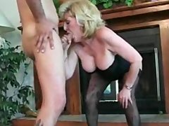 greater quantity hot mature act